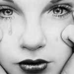 وجه امرأة مرسوم بالقلم الرصاص - 103439