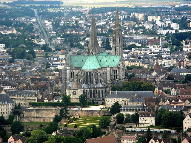 أهم الأمآكن السيآحيةة بفرنسآ