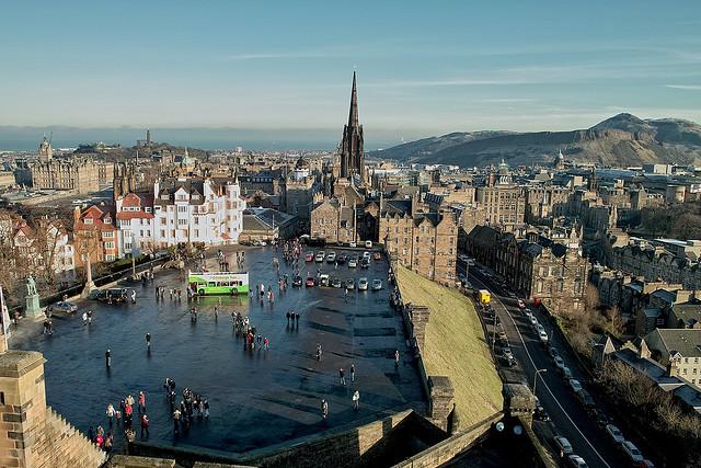 الأماكن السياحية (القروب الأخضر) Edinburgh.jpg