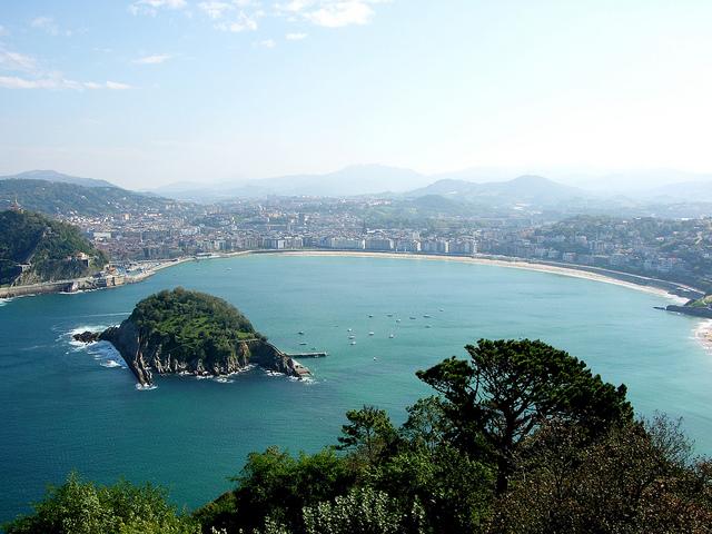أهم الأماكن السياحية في اسبانيا  La-Concha