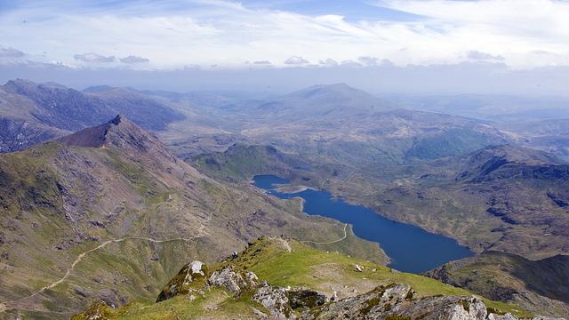 الأماكن السياحية (القروب الأخضر) Snowdonia.jpg