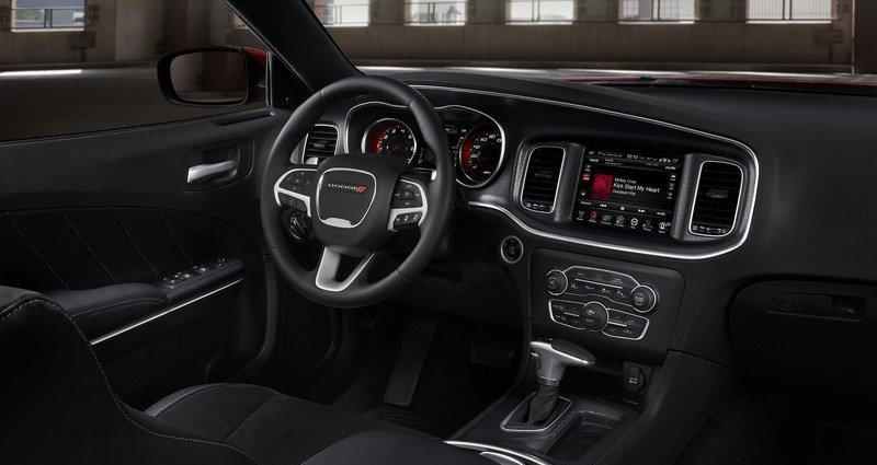 ������� ���� ������ ٢٠١٥ ����� Steering-wheel-of-a-car-2015-Dodge-Charger.jpg