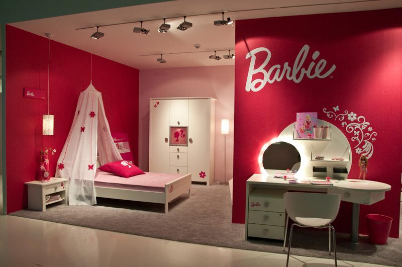 تزيين سرير بغرفة نوم بنات باربي المرسال