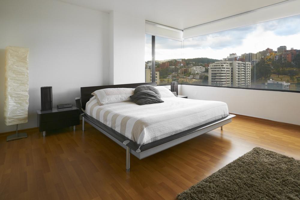 ارضية باركيه بغرفة نوم جميلة | المرسال