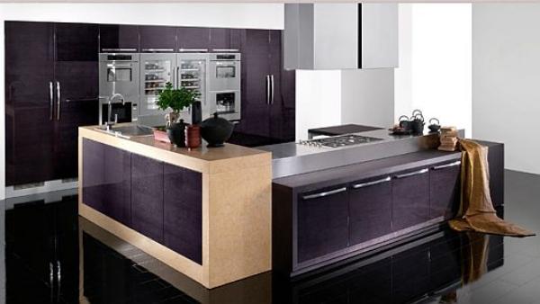 اللون الموف الغامق بالمطبخ مذهل