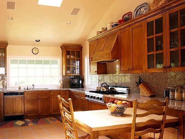 ������� ����� ����� ٢٠١٤ warm-wooden-luxurious-kitchen-design.jpg