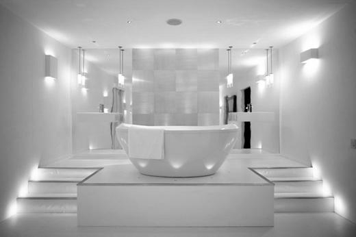 ������ ����� ������� ����� ���� Bathroom-with-white-walls-and-modern-ligthing.jpg