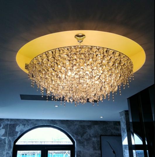 ������ ����� ������ ����� ����� Crystal-chandelier-design-LollieMemmoli-UGOLINO-circular-white.jpg