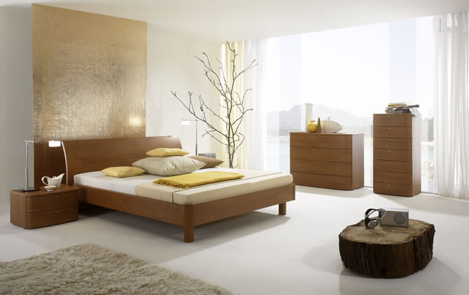 ����� ����� ٢٠١٥ Light-bedroom-with-modern-lamps-and-furniture.jpg