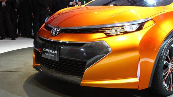 ... سعر كورولا المطورة اكس ال اي 2015 Corolla XLi