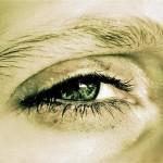 فوائد فيتامين د للعيون