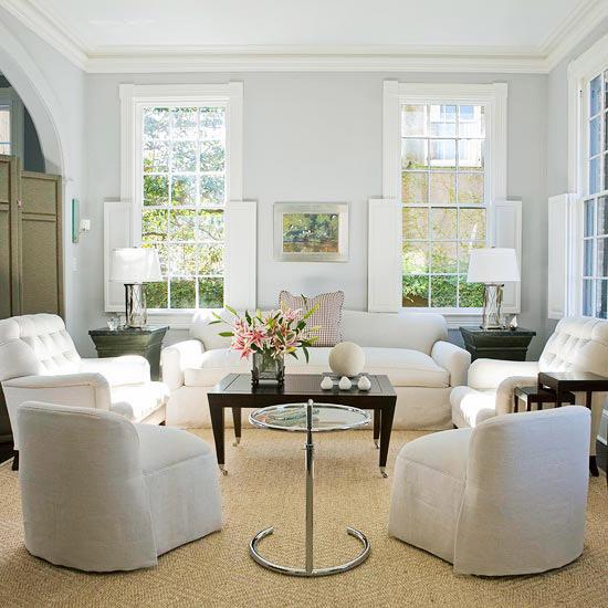 20 Stunning Grey And Green Living Room Ideas: طاولات بسيطة بغرفة جلوس صغيرة