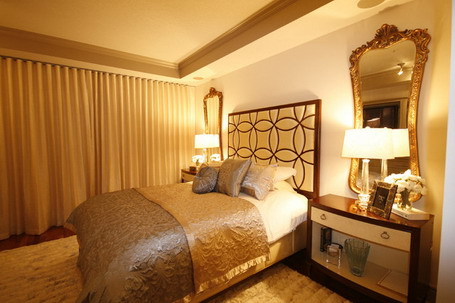 12 Idees Deco Pour Une Chambre Rouge additionally Forest Wallpaper additionally Wild West Cowboy Bandana Wall Paper Border together with Brown Gold Color Scheme In Contemporary Bedroom Design besides Paint Colour Gray Owl By Benjamin Moore. on wall paper designs for bedrooms