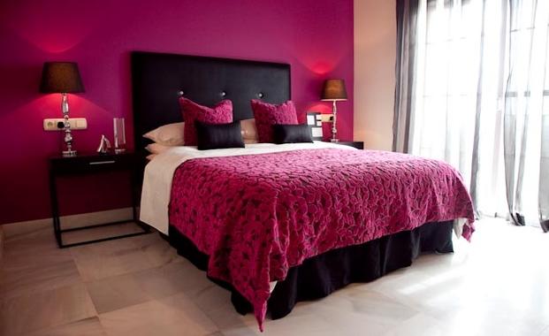 غرف نوم وردي واسود | المرسال