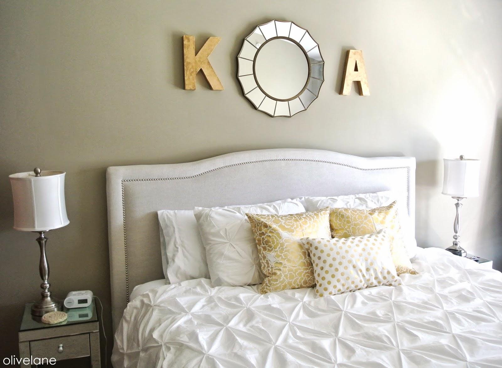 غرف نوم ذهبي وابيض | المرسال