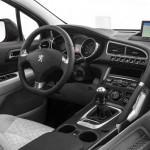 صورة من داخل السيارة بيجو 5008 - 2015 - 153850