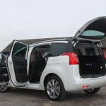 صورة من جانب السيارة بيجو 5008 - 2015 - 153852