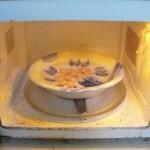 طريقة مميزة لتنظيف الميكرويف