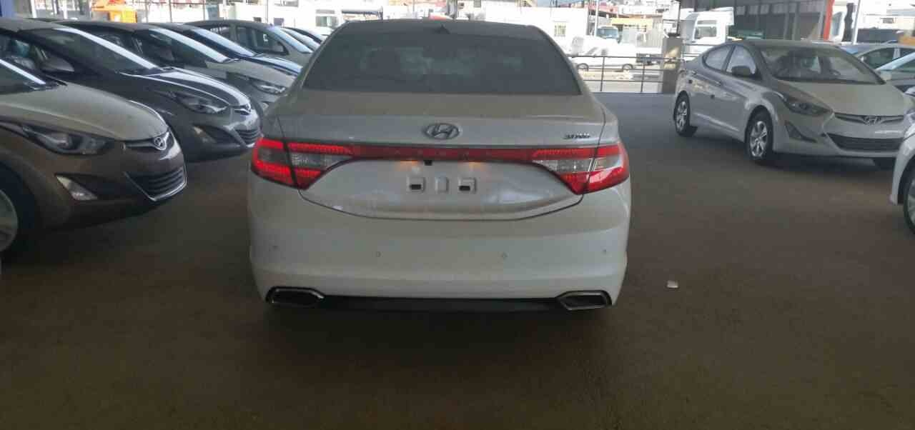 2015 Hyundai-Azera-car-ba
