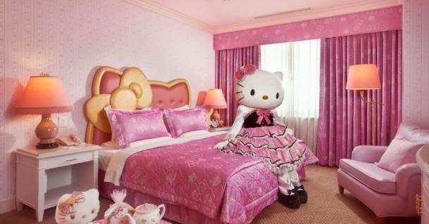 هيلو كيتي بغرفة نوم ابنتك المبهرة