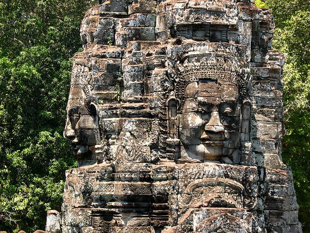 كمبوديا Bayon-Temple.jpg
