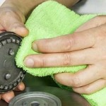 استخدام قماشة لمسح المياه