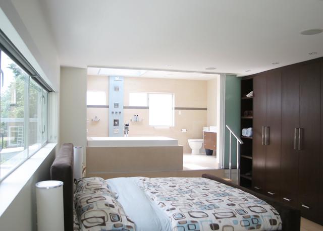 تصاميم غرف نوم جذابة مع حمام زجاجي | المرسال