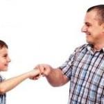 رعاية الطفل و نصائح تساعد ابنك لتجنب أصدقاء السوء Father-carrying-resp