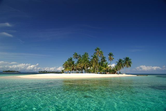 الاماكن السياحية في بنما San-Blas-Islands.jpg
