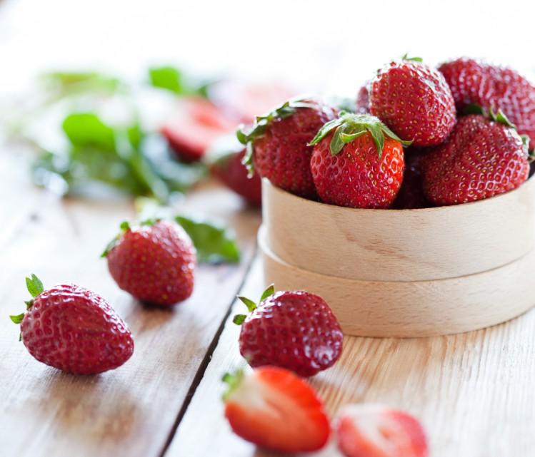 اقنعة للشعر طبيعية Strawberry-mask-for-