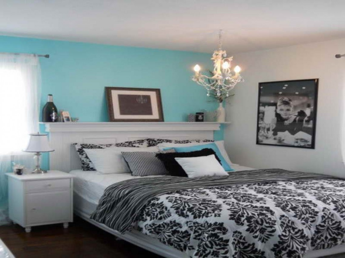 pics photos tiffany blue and brown bedroom