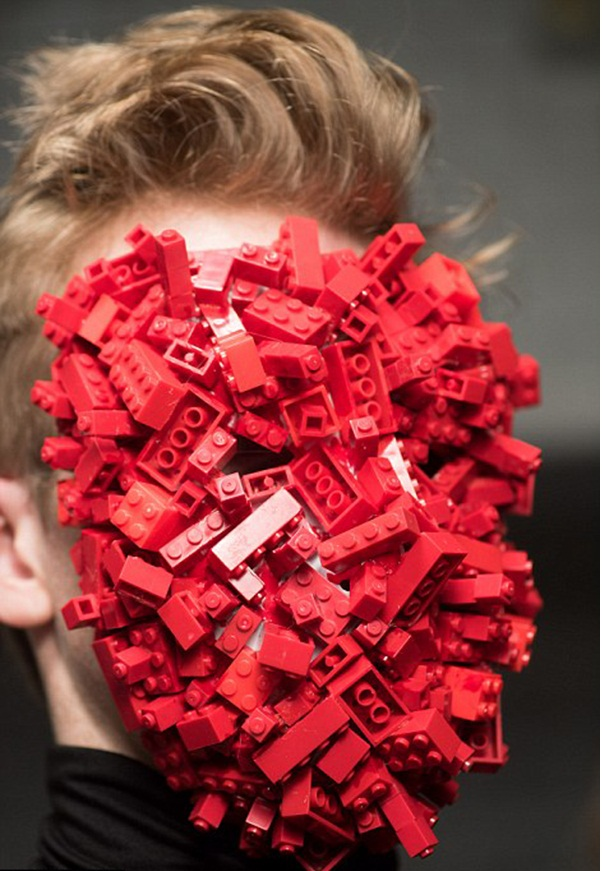 """A face covered with cubes in the Cool Man fashion show Men's Fashion Show """"Cool Man"""" Men's Fashion Show """"Cool Man"""" Face covered with blocks"""