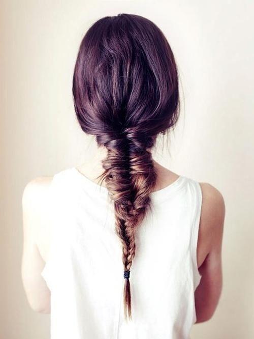 جديلة الشعر العفوية الطويلة