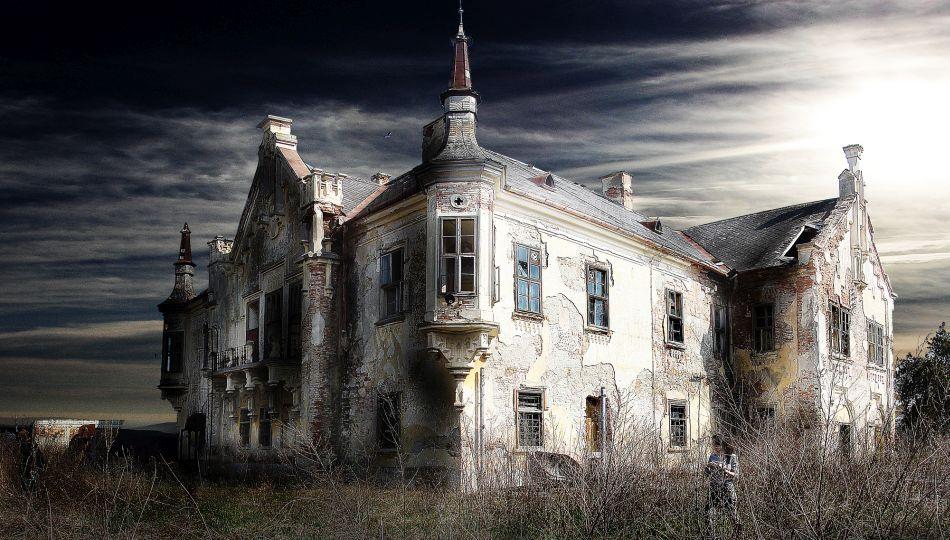 أماكن مهجورة Teleki-Castle-Ocna-Mures-Romania.jpg