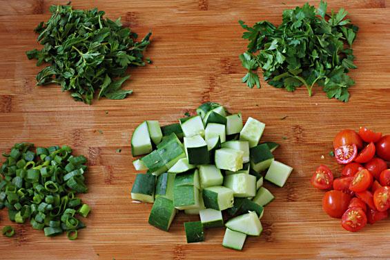 طريقة سلطة الفتوش Vegetables.jpg