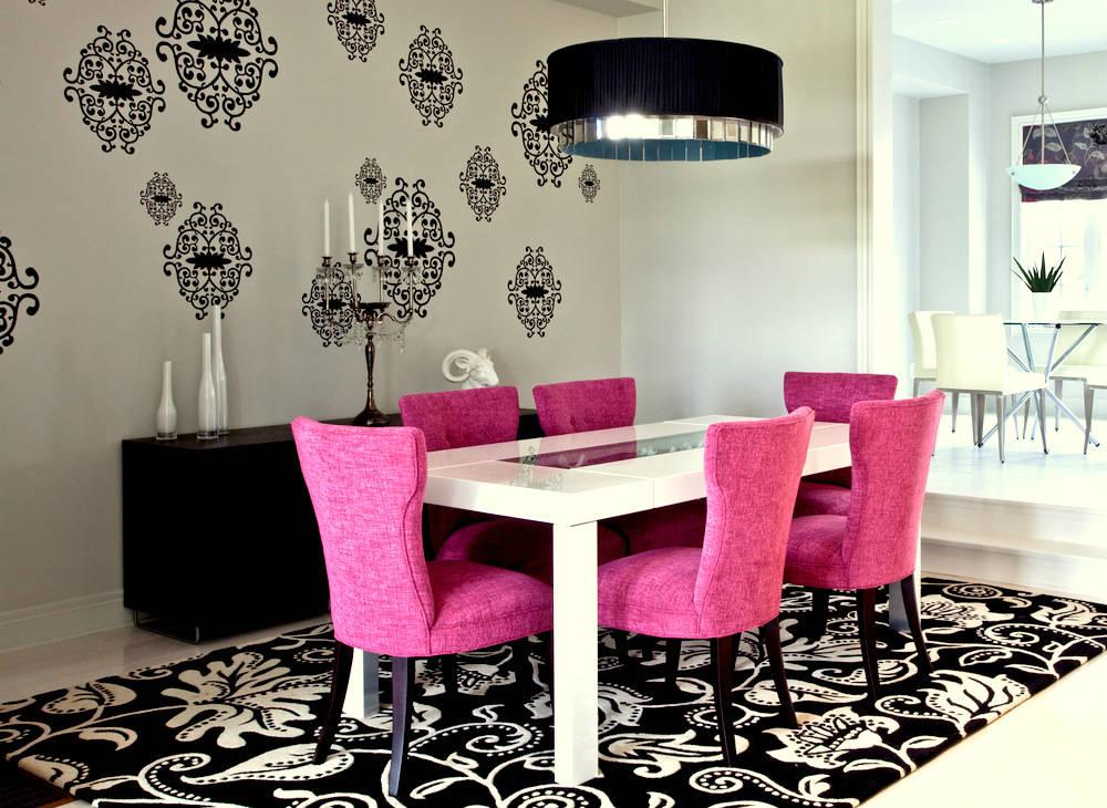 غرف طعام باللون الوردي