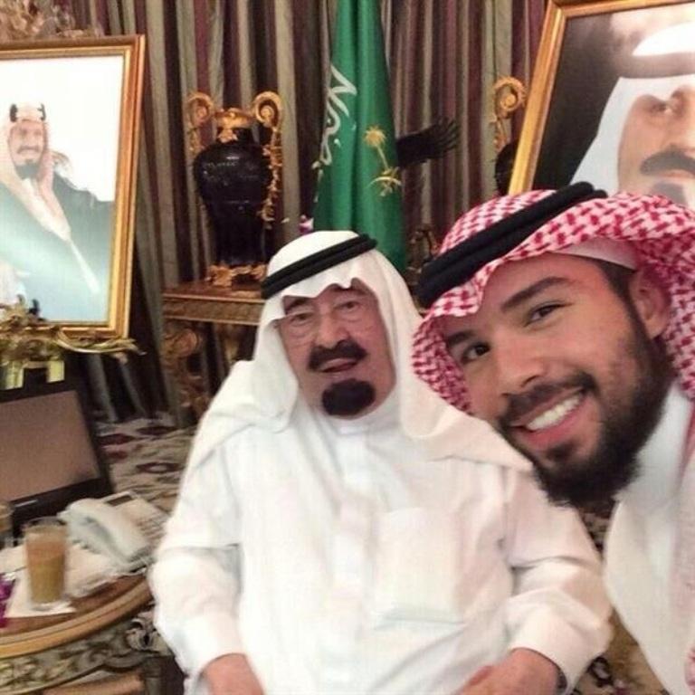 سيلفي الملك عبدالله رحمه الله والامير بدر بن سعود