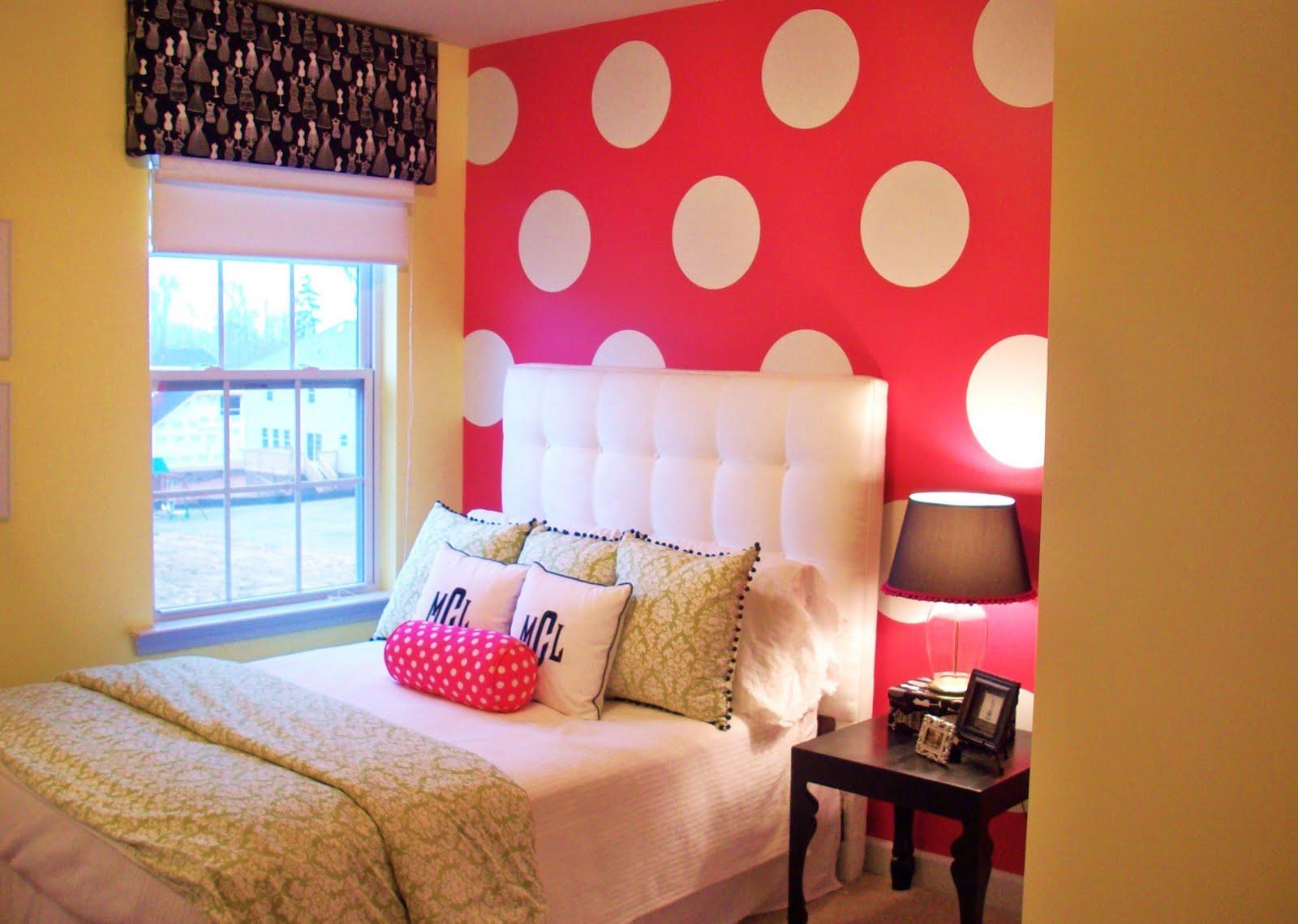 خلفية جدارية مميزة باللون الوردى