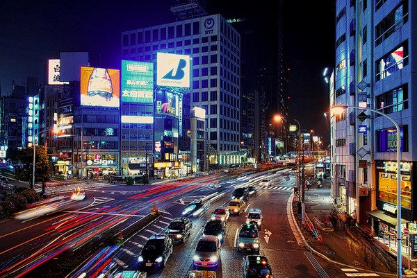 الشوارع في طوكيو