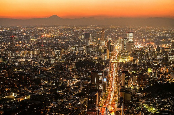 شروق الشمس في طوكيو