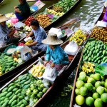 السوق العائم في مدينة بانكوك