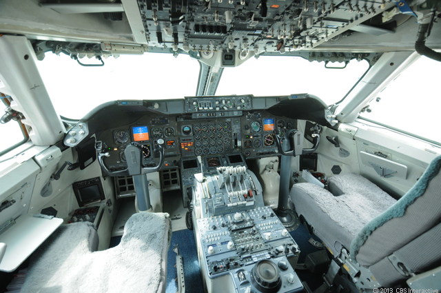Cockpit empty of Boeing E-4b