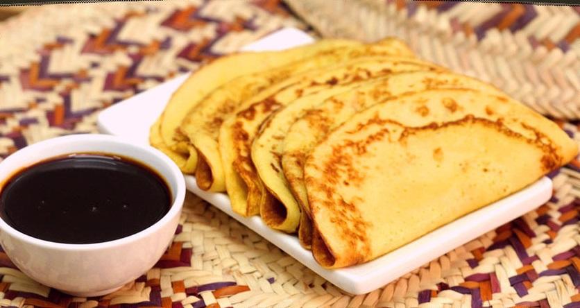 محلى زايد من المطبخ الاماراتي وتقديمه مع العسل