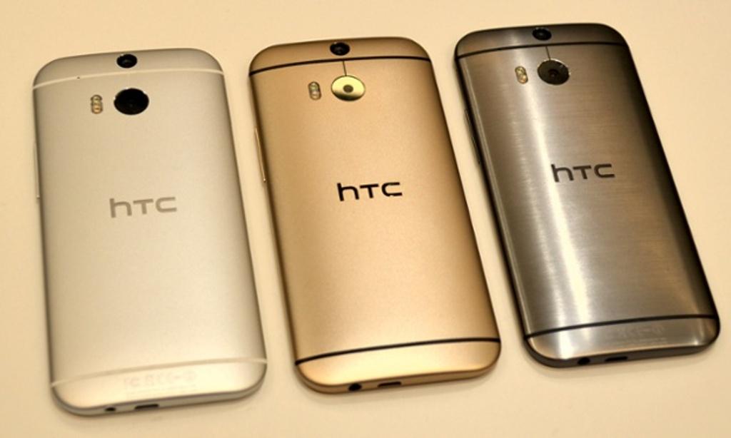 HTC-One M8 الذهبي