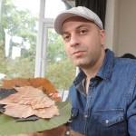 أعمال فنية معقدة على ورق الشجر