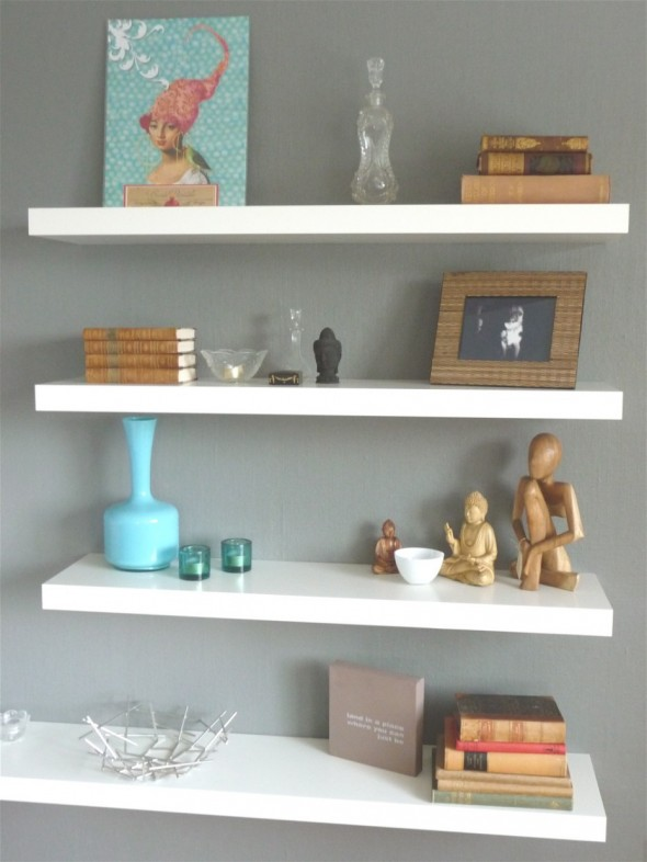 How to arrange floating shelves on a wall
