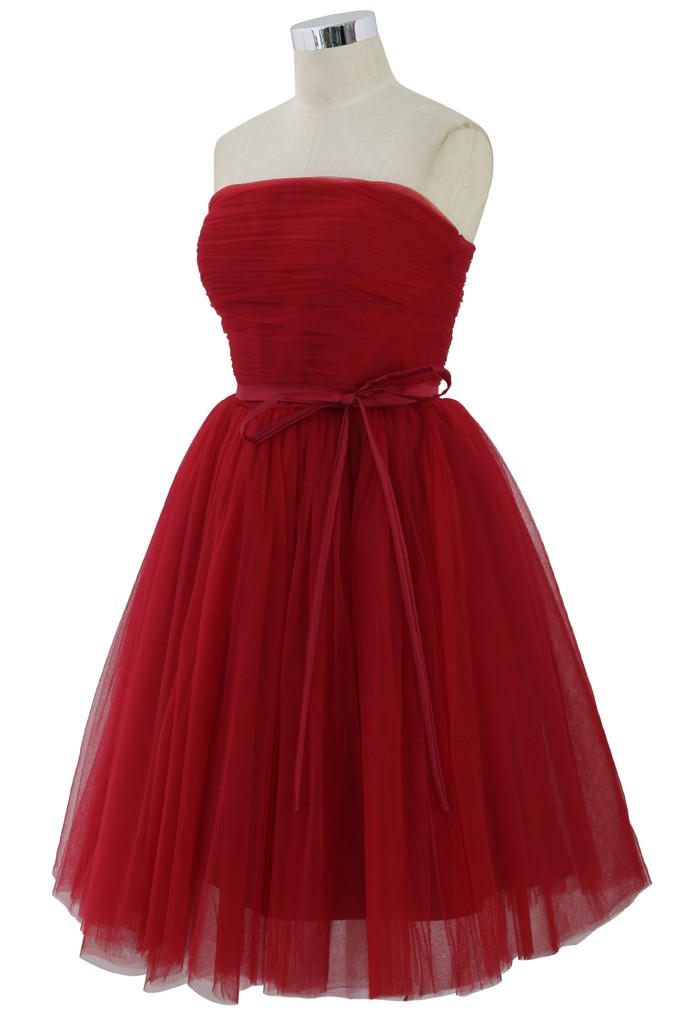 Valentino red dress pictures