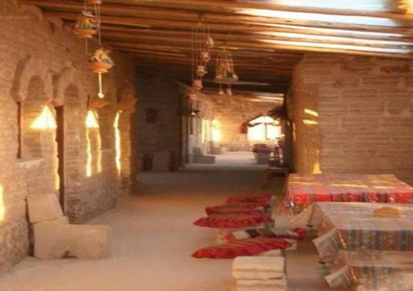 """فندق من الملح في بوليفيا ظپظ†ط¯ظ'-ظ…ظ†-ط§ظ""""ظ…ظ""""ط.jpg"""