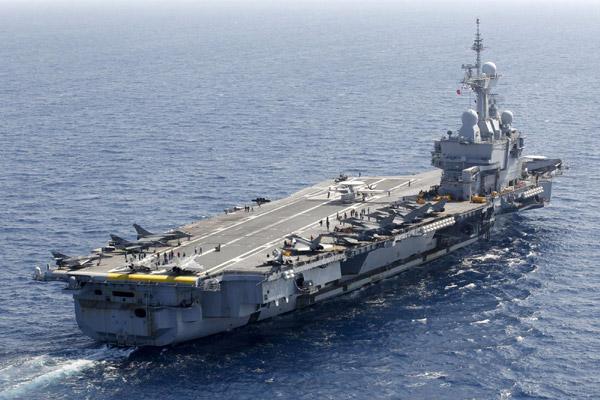Aircraft-carrier-Charles-de-Gaulle.jpg