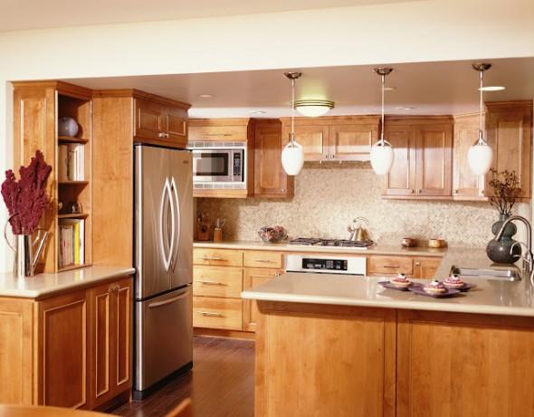 خشب لدواليب المطبخ الجديد